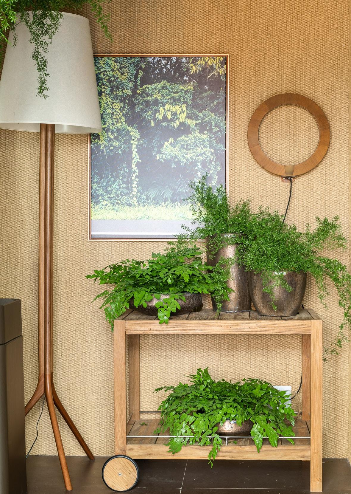 Jardim no banheiro feito de vasos - Cortez Meyer - CASACOR