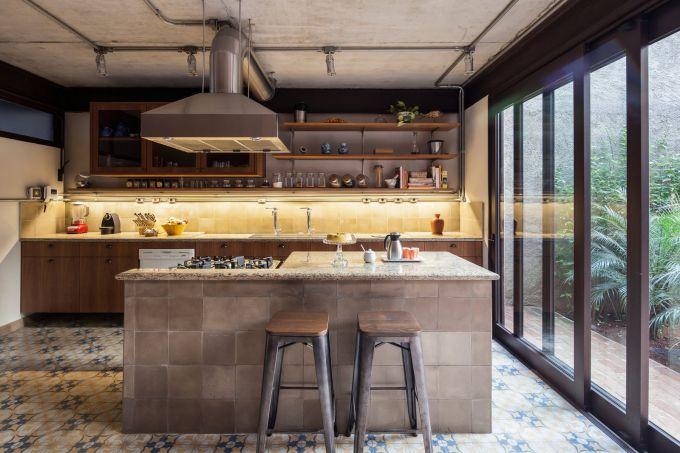 cozinha com ilha em marmore