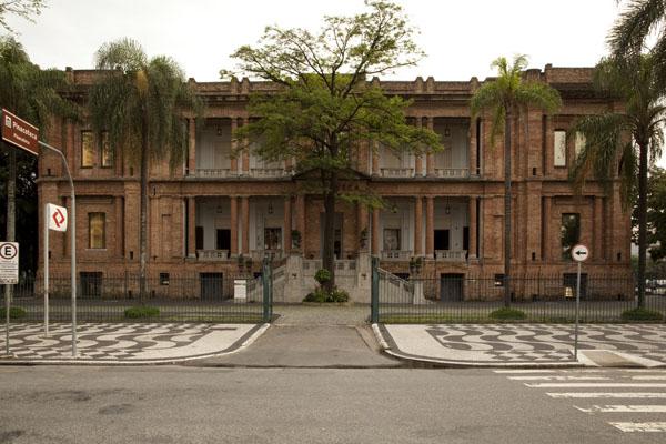 fachada da pinacoteca de são paulo