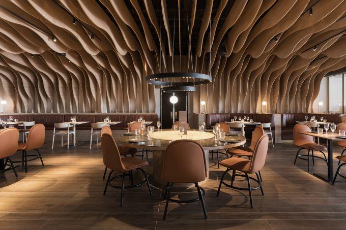 restaurante-espanhol-possui-arquitetura-inspirada-em-dragao-de-100-cabecas01