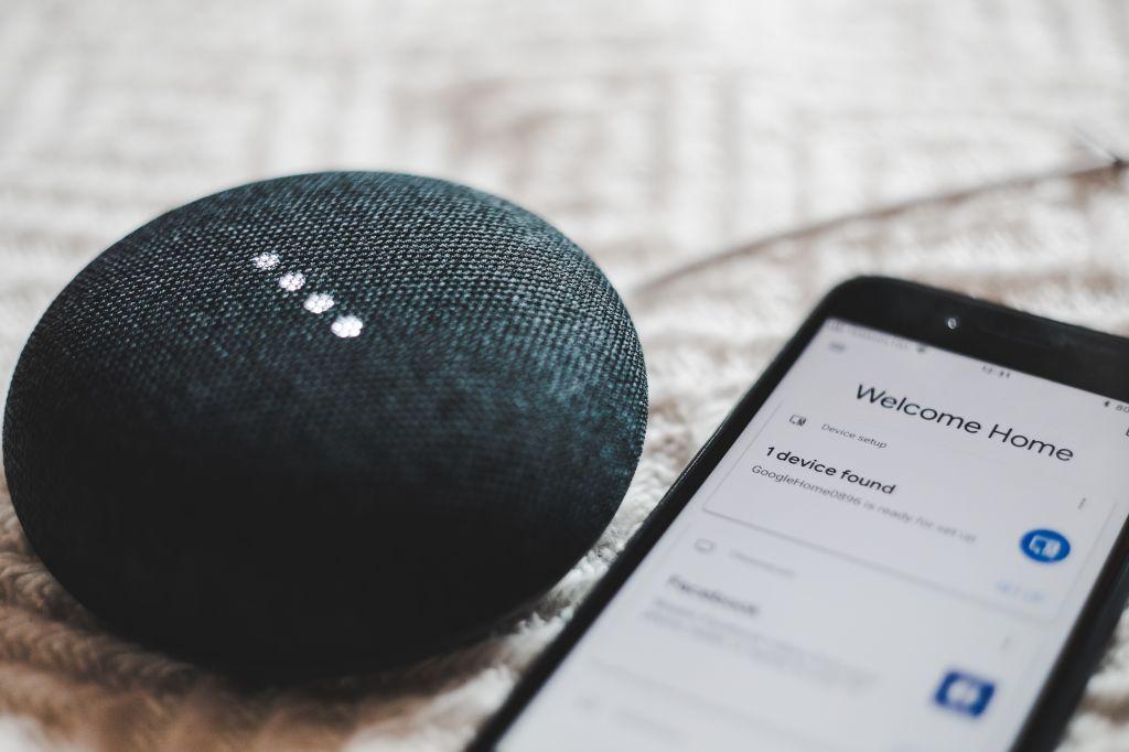 conectividade integrada ao lar caracterizam as casas inteligentes