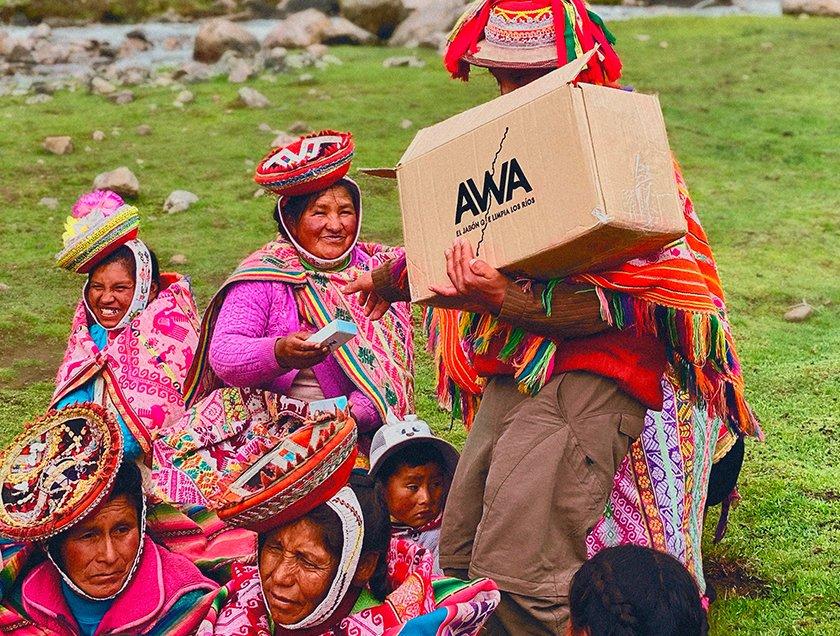 Conheça AWA, o sabonete que limpa os rios e melhora a qualidade da água