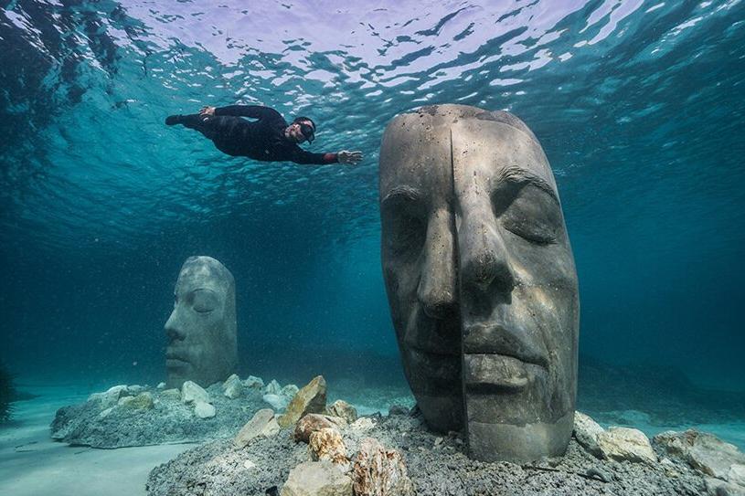 museu subaquatico debaixo d'água mar mediterrâneo jason decaires mergulho arte escultura frança