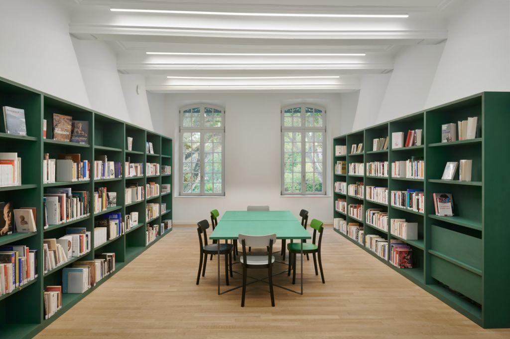 paleta de cores em verde e branco biblioteca francesa