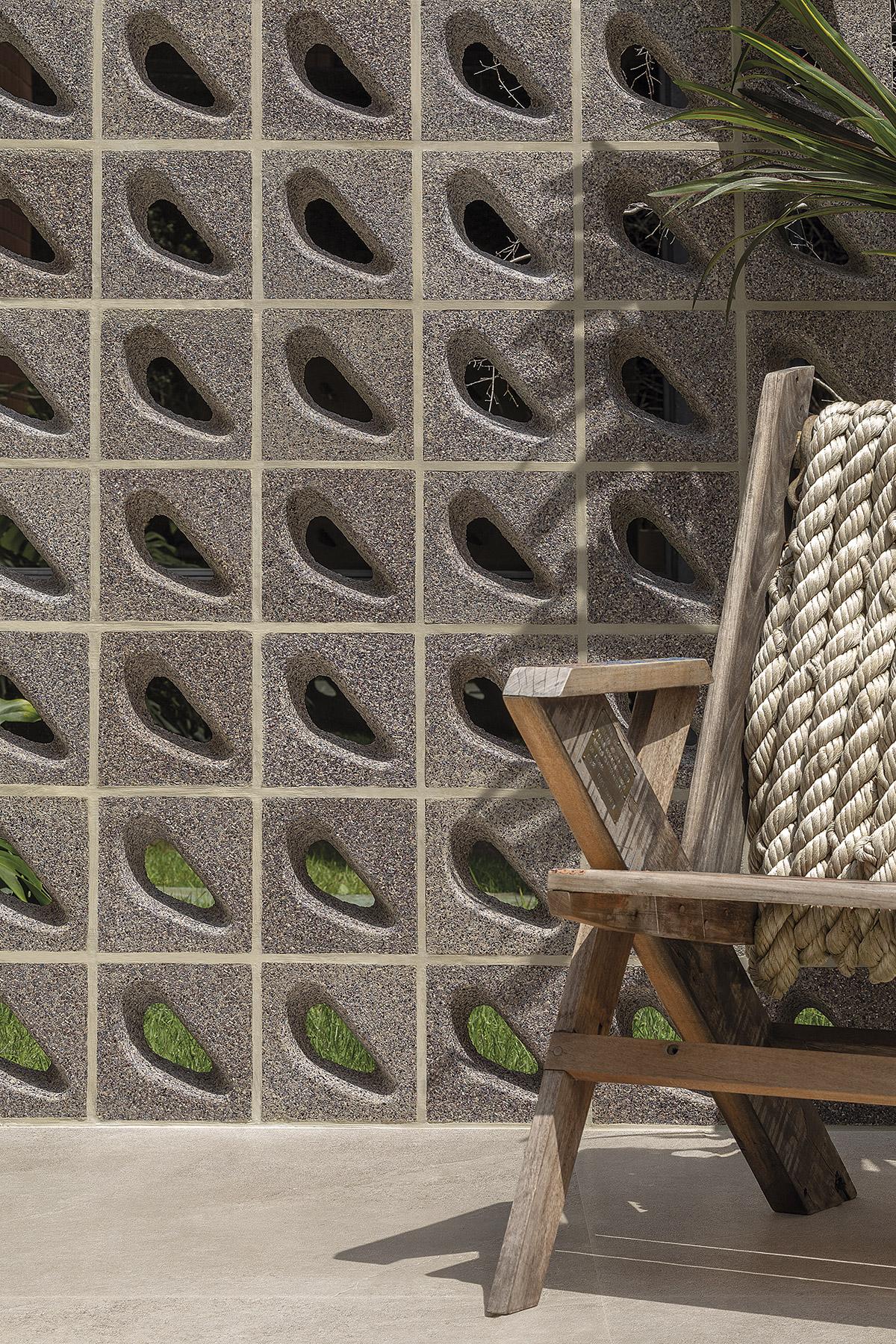 Cobogó Mundaú é um revestimento feito a partir da concha do sururu. Assinado por Marcelo Rosenbaum, Rodrigo Ambrósio e o Instituto A Gente Transforma,