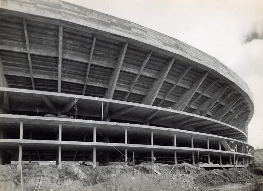 Estádio do Morumbi, por Vilanova Artigas.
