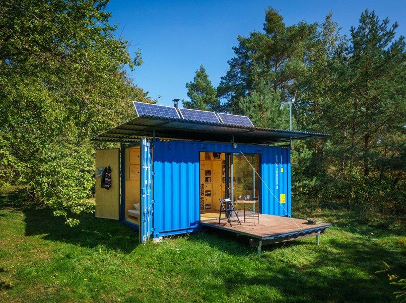 placas solares em casa container reciclada