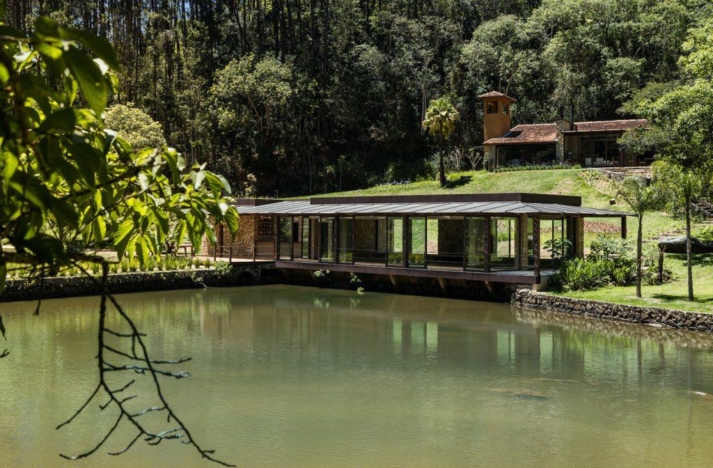 Villa Tanah é um hotel sustentável de Marcelo Selum do elenco CASACOR