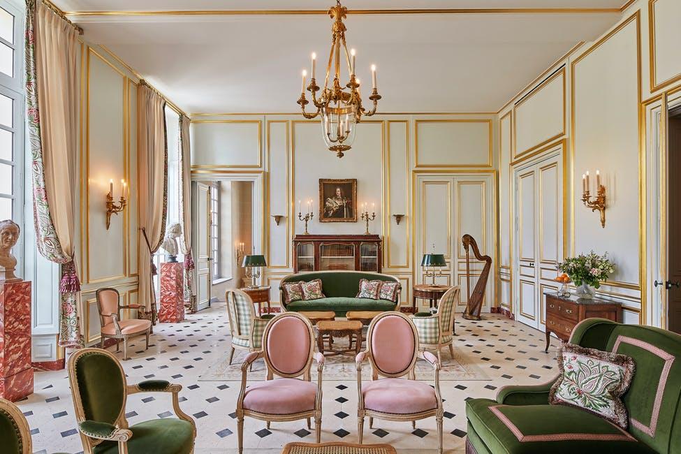 hotel; paris; turismo; hotel de luxo; palacio de versalhes; frança