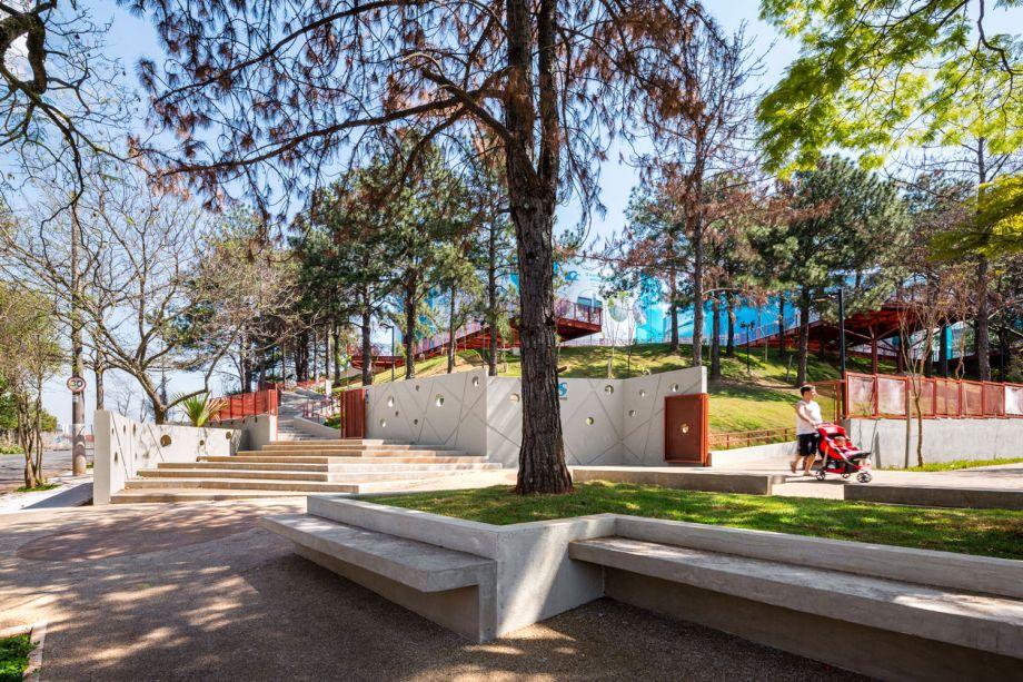 No reservatório SABESP Butantã, a proposta foi criar um parque que permitisse um diálogo entre os visitantes e as atividades de abastecimento, além de revitalizar os edifícios de operação para a proteção patrimonial.