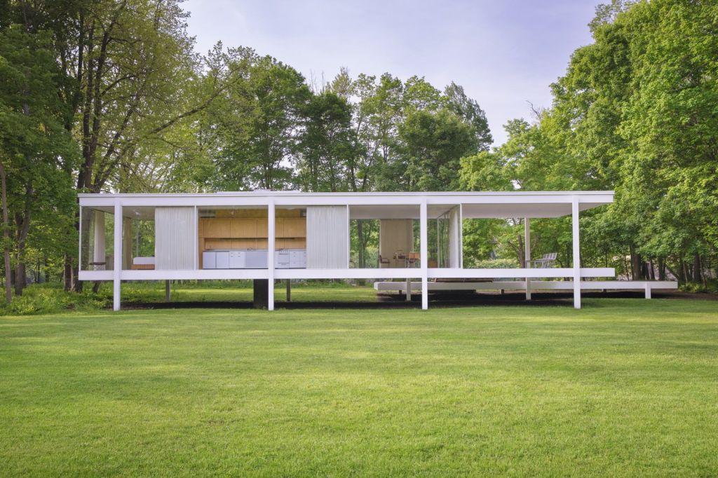 Farnsworth House, 1949, Plano, Illinois, USA - Mies van der Rohe