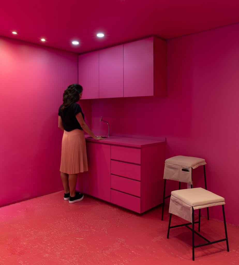 Projeto Carbono Home em Moema por Superlimão Studio
