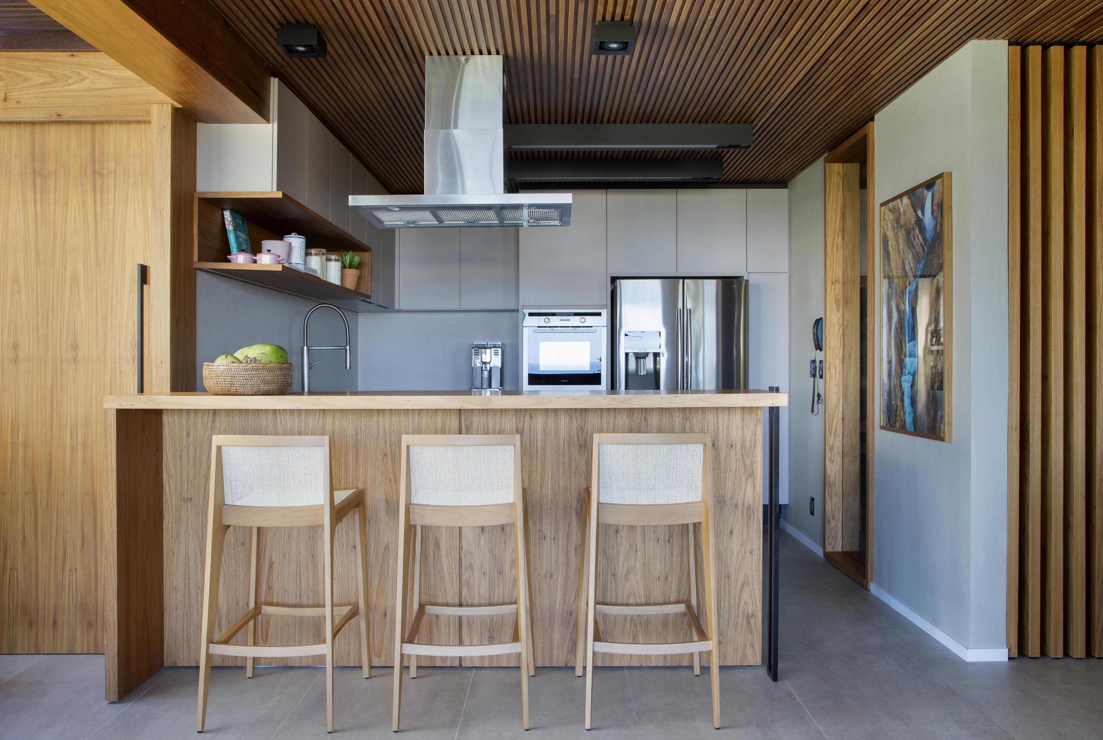 apartamento duplex; juliana pippi; decoração; sustentabilidade; tons terrosos
