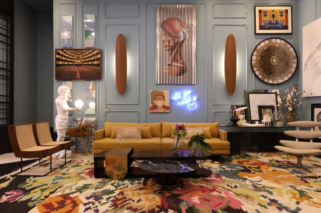 Lisando Piloni - Foyer Bienvenue. CC SP 2019 Par de poltronas Benjamin de Gustavo Bittencourt