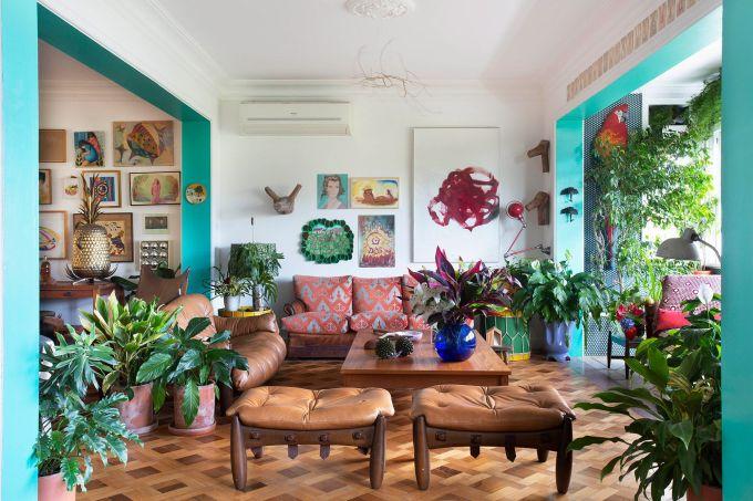 Sala-de-estar-e-varanda-_-Lírios-da-paz-Dracenas-Marantas-Asparagus-Syngonium-Ficus-e-Leeas-_-foto-1