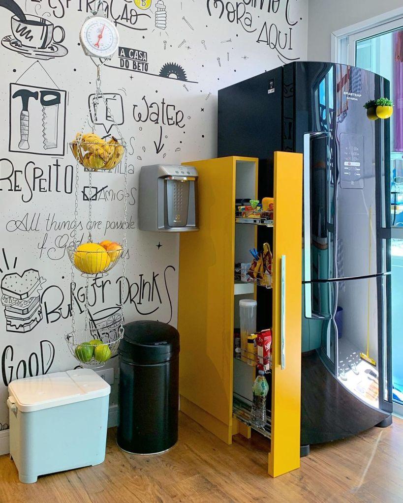 Armário de cozinha funcional utilizando marcenaria inteligente