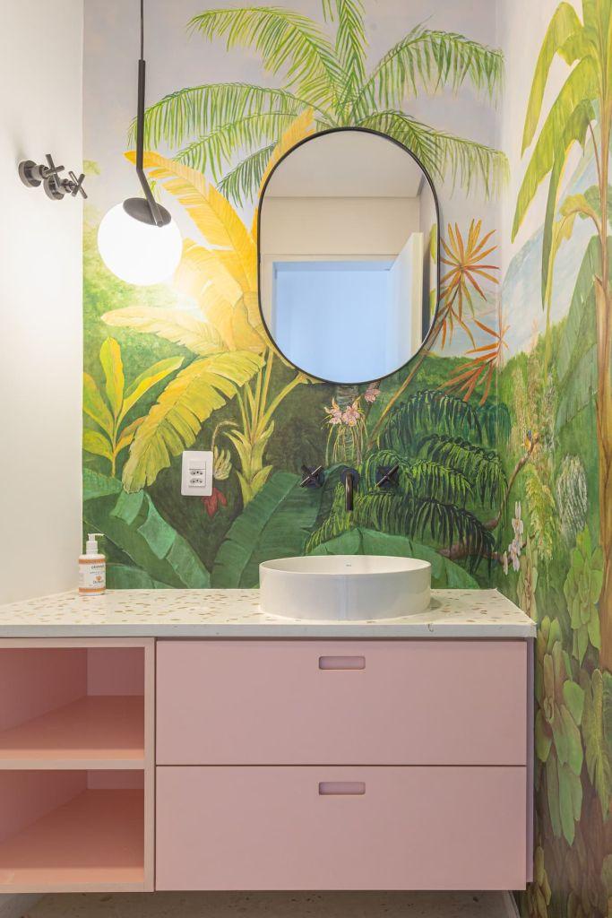banheiro integrado apartamento art deco airbnb