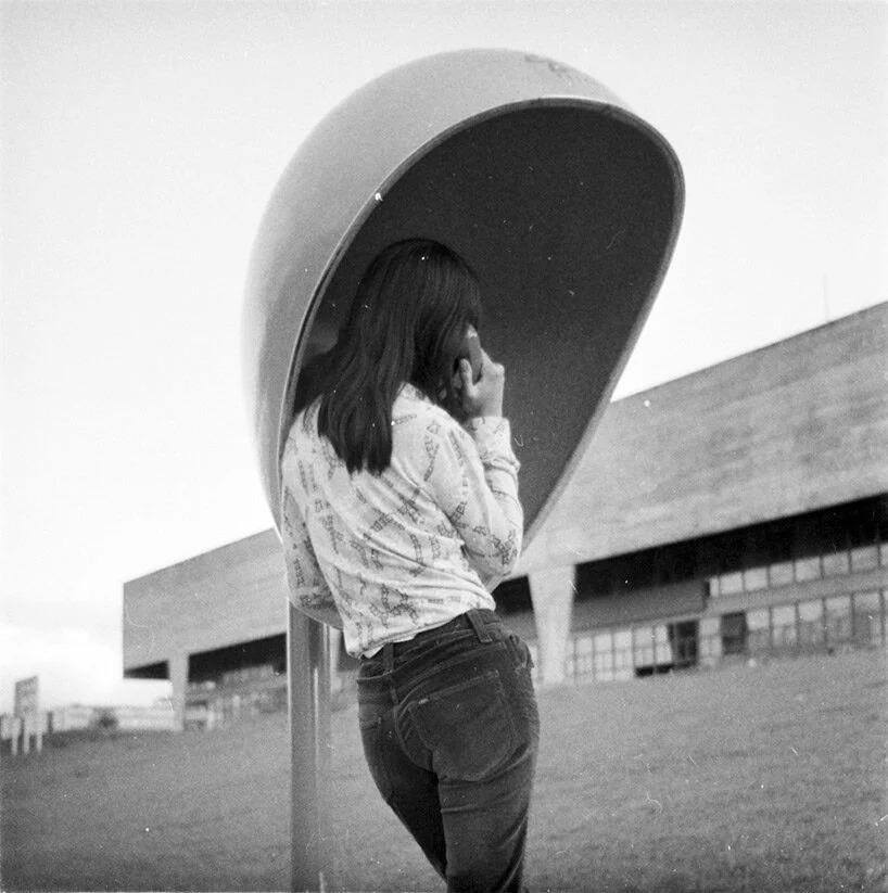 orelhão; brasil; 50 anos; material forte e resistente; icone da paisagem urbana brasileira; Chu Ming Silveira; arquitetura; design nacional