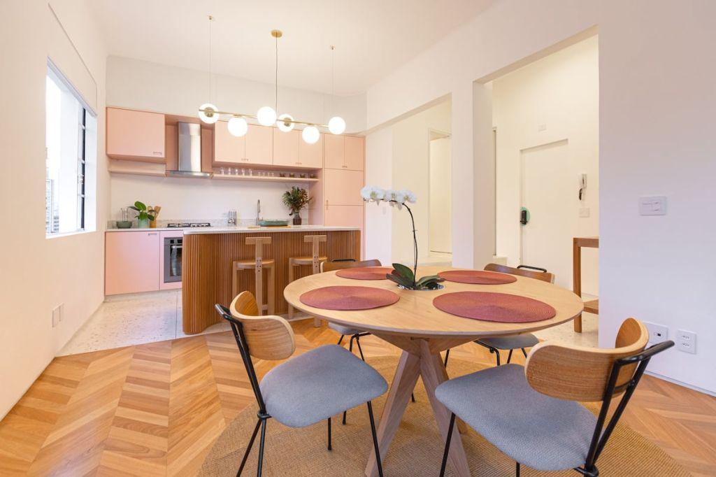 sala de jantar art deco airbnb