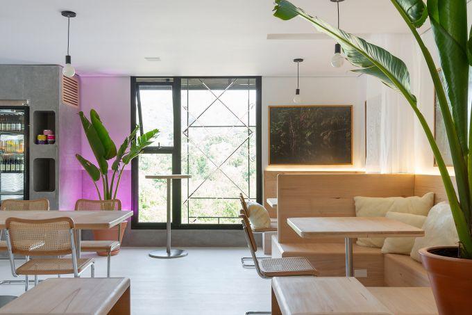 Café +UM – Emanuella Wojcikiewicz Studio