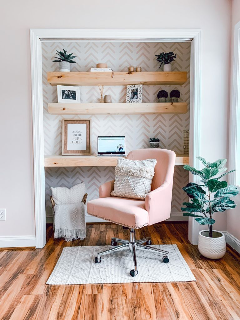 cloffice; home office; escritório no armário; pequenos espaços