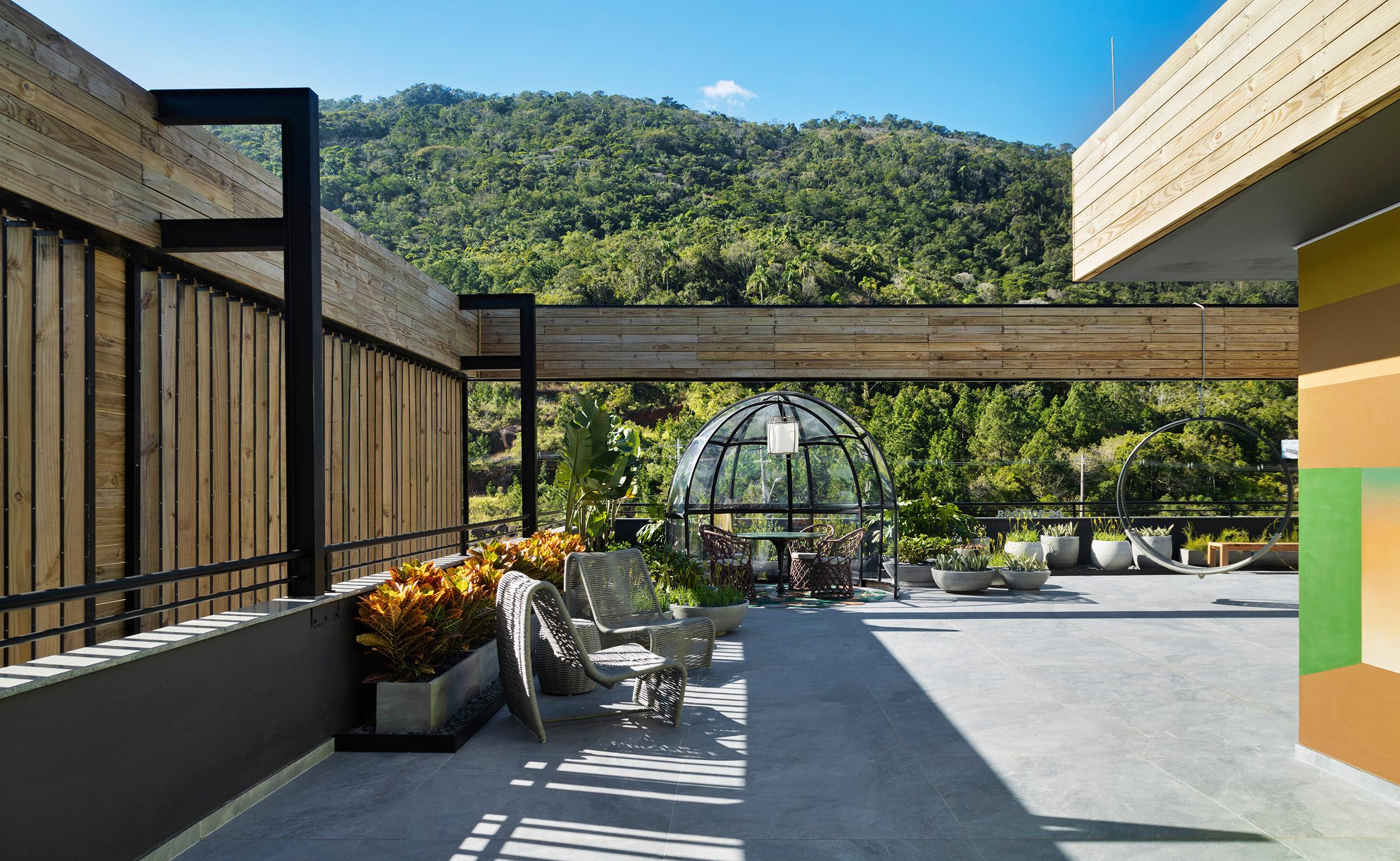 Rooftop, projeto de Ana Trevisan para a CASACOR Santa Catarina Florianópolis 2021