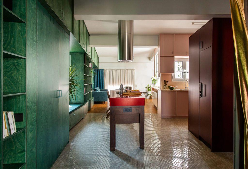 Apartamento colorido em Atenas