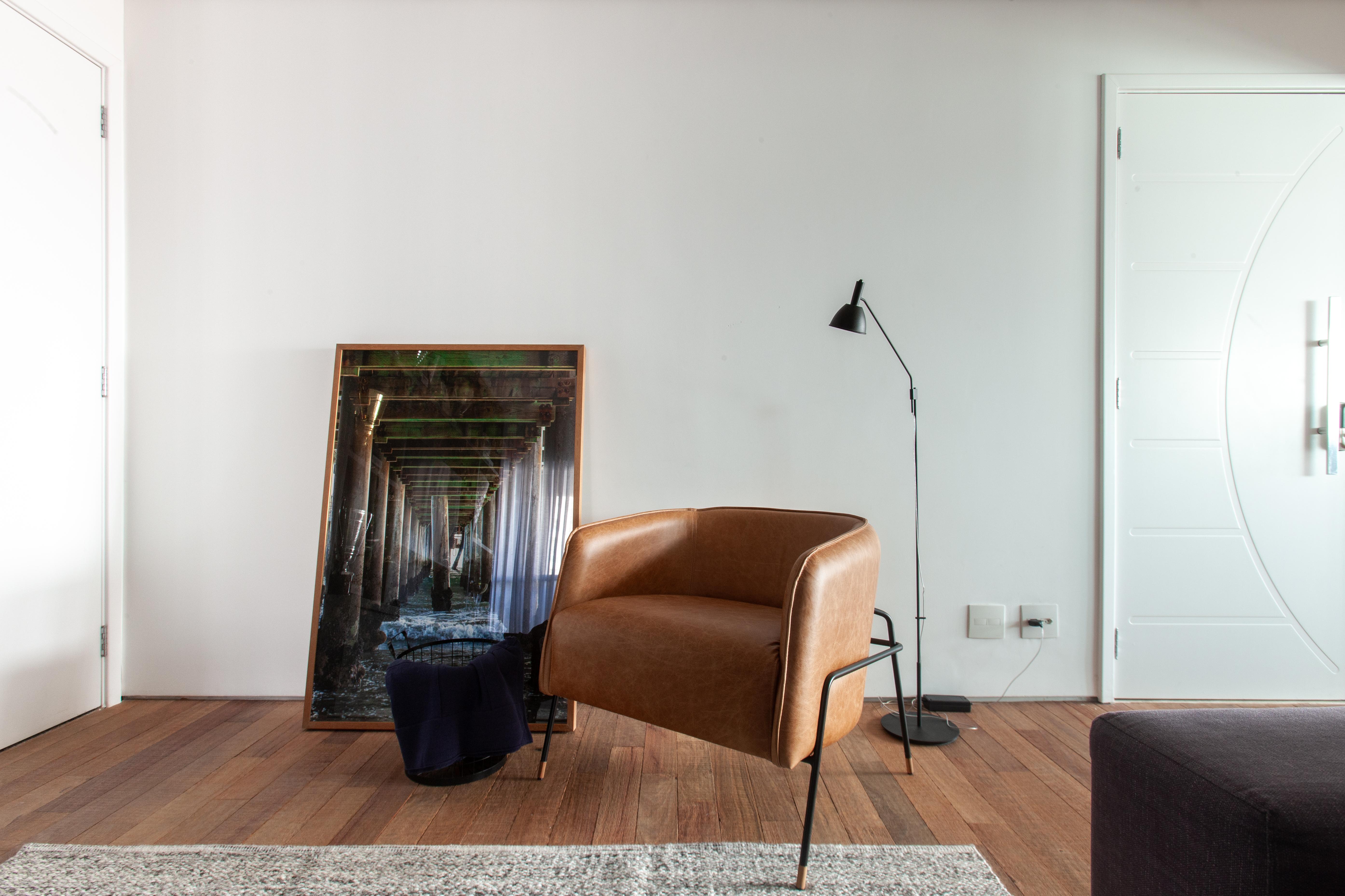 Sala de leitura apartamento contemporâneo