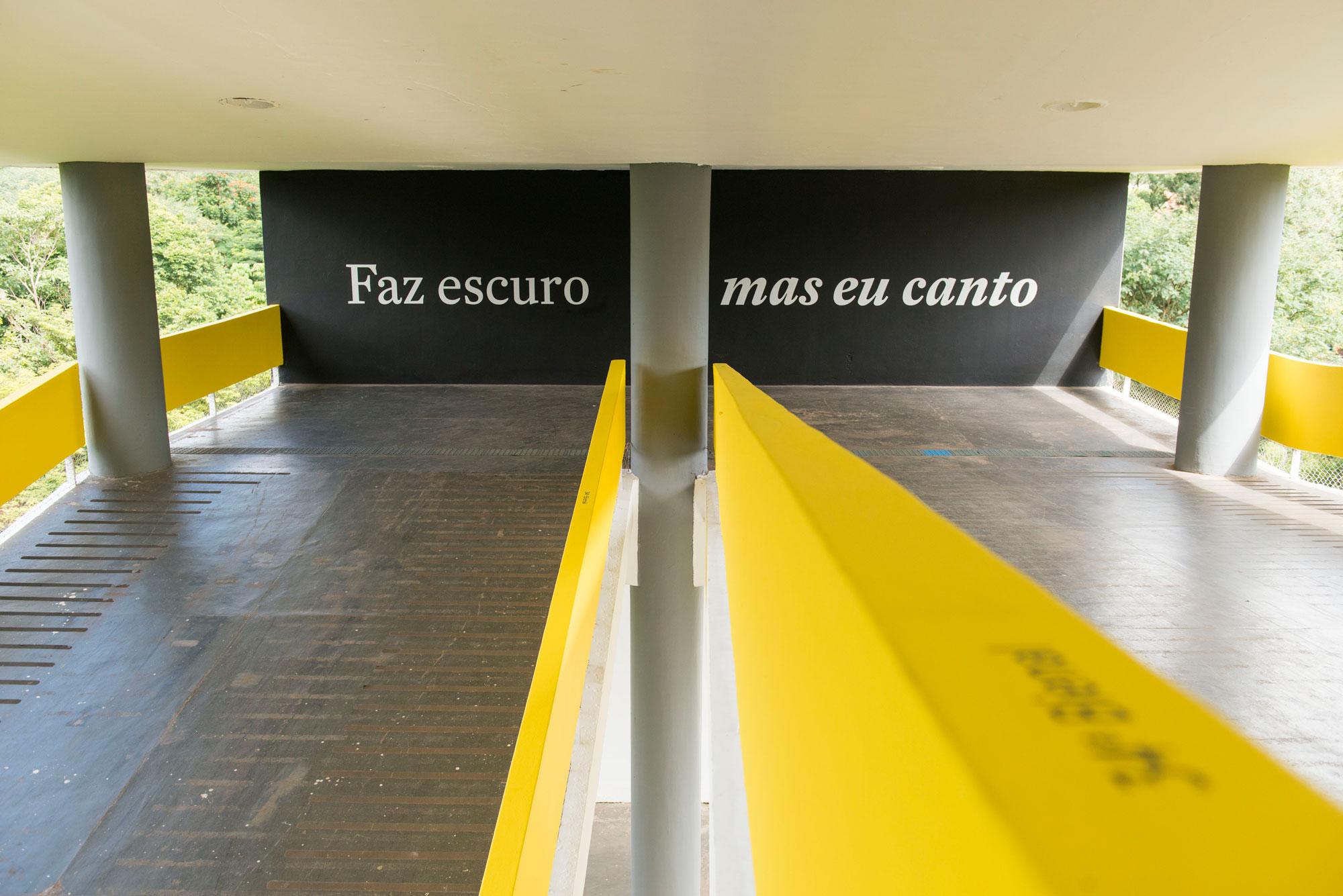bienal internacional de arte de sao paulo faz escuro mas eu canto casacor