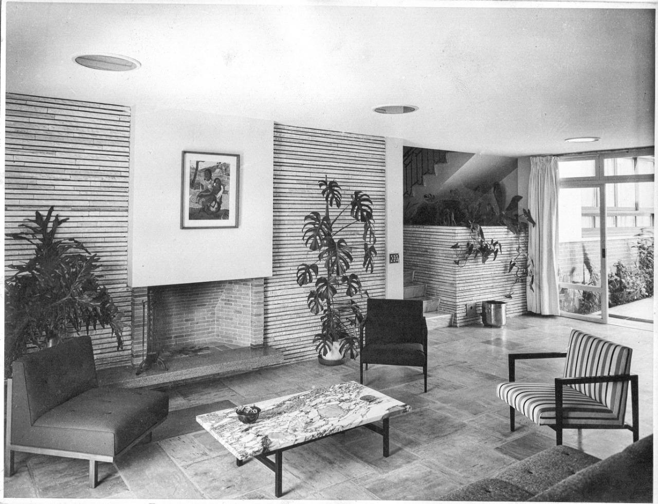 Casa Domingos Pires de Oliveira Dias em 1952, projetada pelo arquiteto Arnaldo Paoliello.