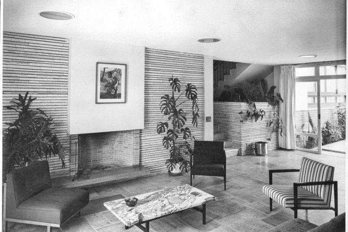 Casa Domingos Pires de Oliveira Dias (1952) . Arq. Arnaldo Paoliello.