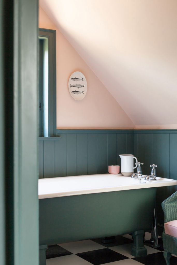 banheiro classico colorido