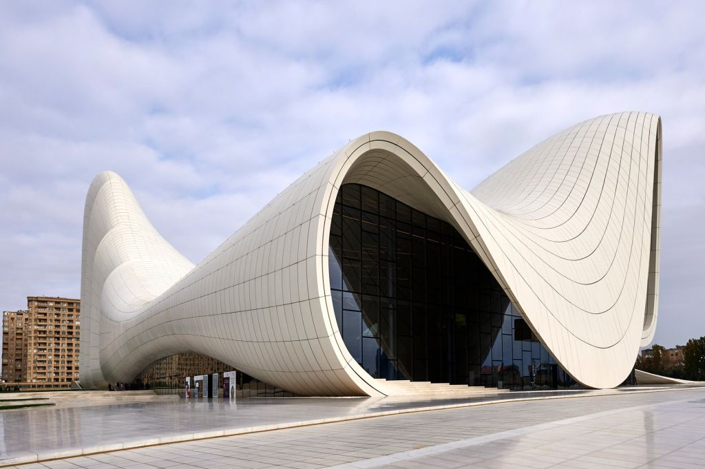zaha hadid; projetos; arquitetura; concreto; aço;