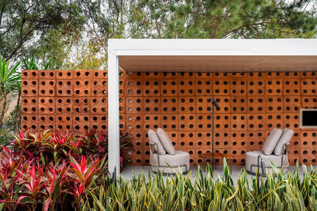 Café Panini Jardim Restauro Duo Arquitetos e Droysen Tomich cobogós adobe jardim burle marx decoração