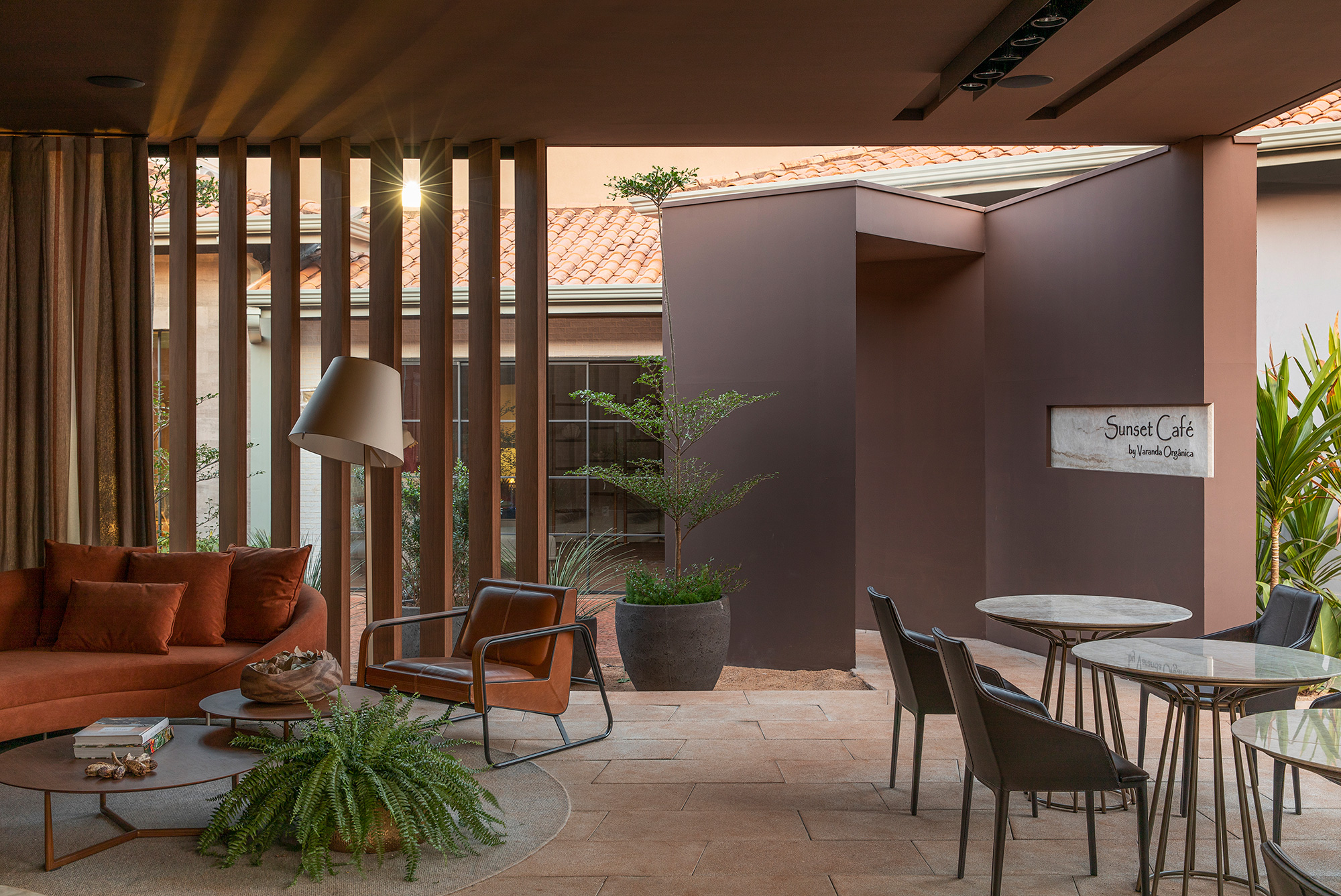 Cristina Capanema e Matheus Vilela - Cafe Sunset, projeto da CASACOR Ribeirão Preto 2021.