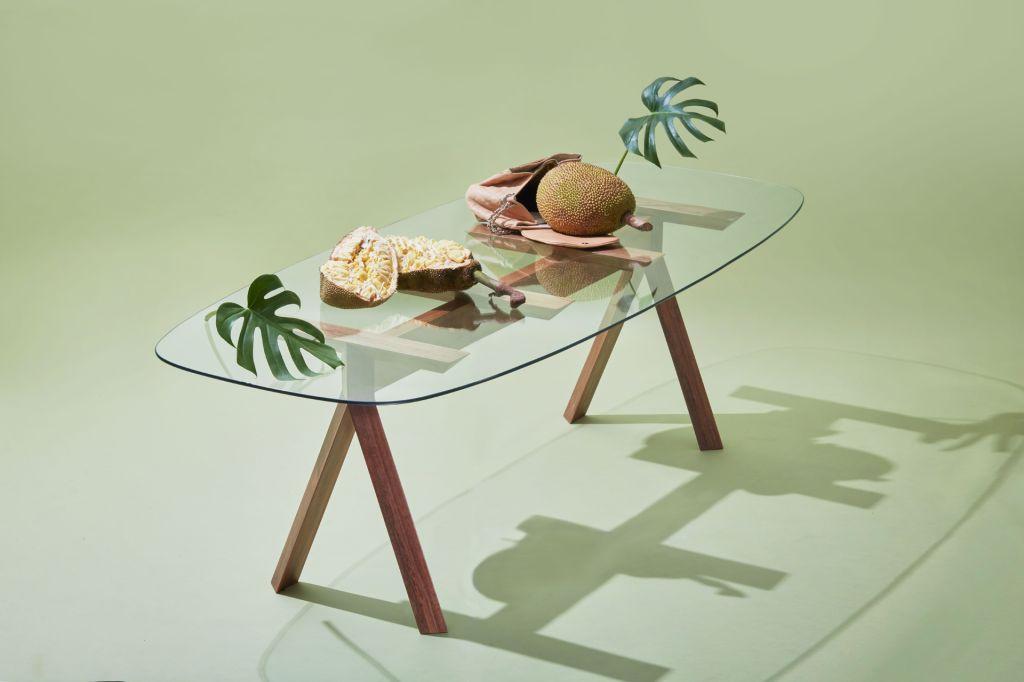 Noemi Saga; designer brasileira; mobiliário; objetos; peças