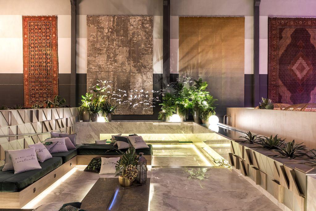 Living da Lareira Alexandre Weiss Nelson Machado CASACOR Paraná 2021 jardim lareira decoração design
