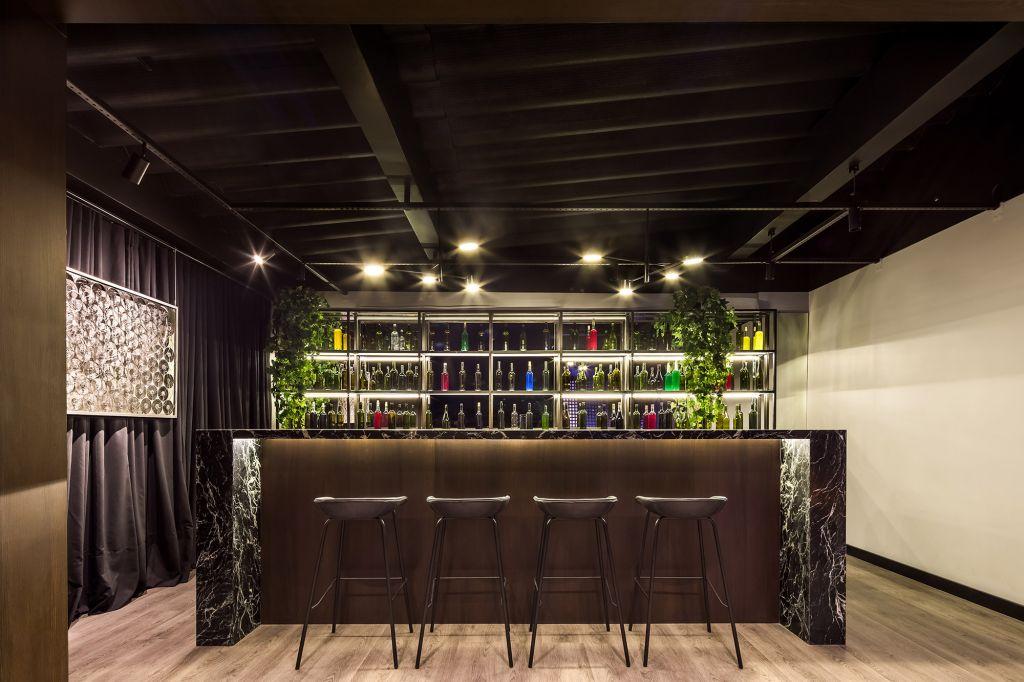 Gin Bar Lavabo Social Arthur Calliari CASACOR Paraná 2021 banheiro bar lavabo decoração design