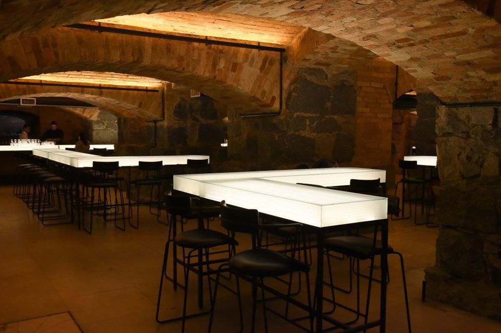 Bar dos Arcos é um bar speakeasy localizado
