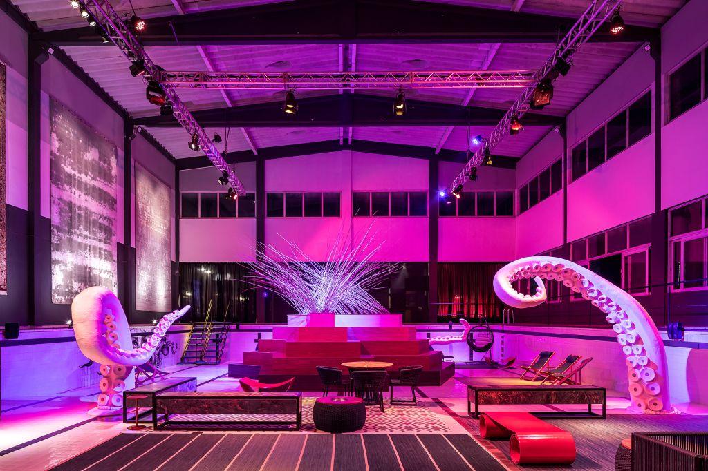 Pool Party Felipe Guerra CASACOR Paraná 2021 decoração design iluminação arte