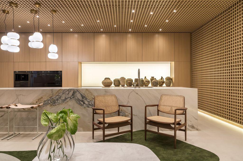 Refúgio Urbano Forma Legno Ninha Chiozzini 2021 sala cozinha madeira decoração design